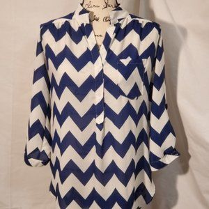 A'Gaci Blue and White Zigzag Sheer Blouse Size MD